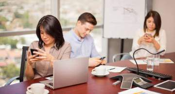 Smartphones Detrimental to Meetings